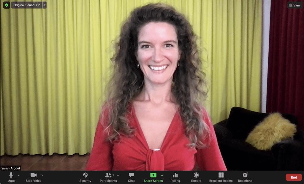 Sarah Algoet singsing! teaching online